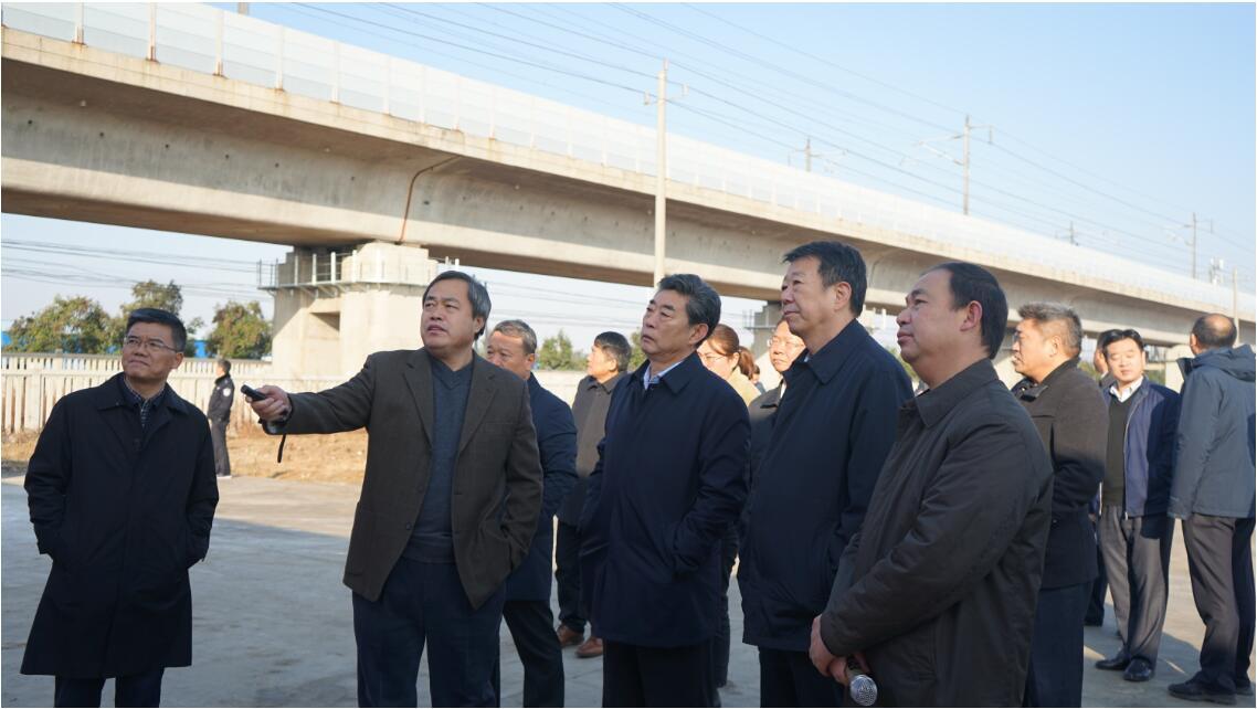 2019年11月28日 省委常委、常务副省长邓向阳来乐虎国际官方网下载调研
