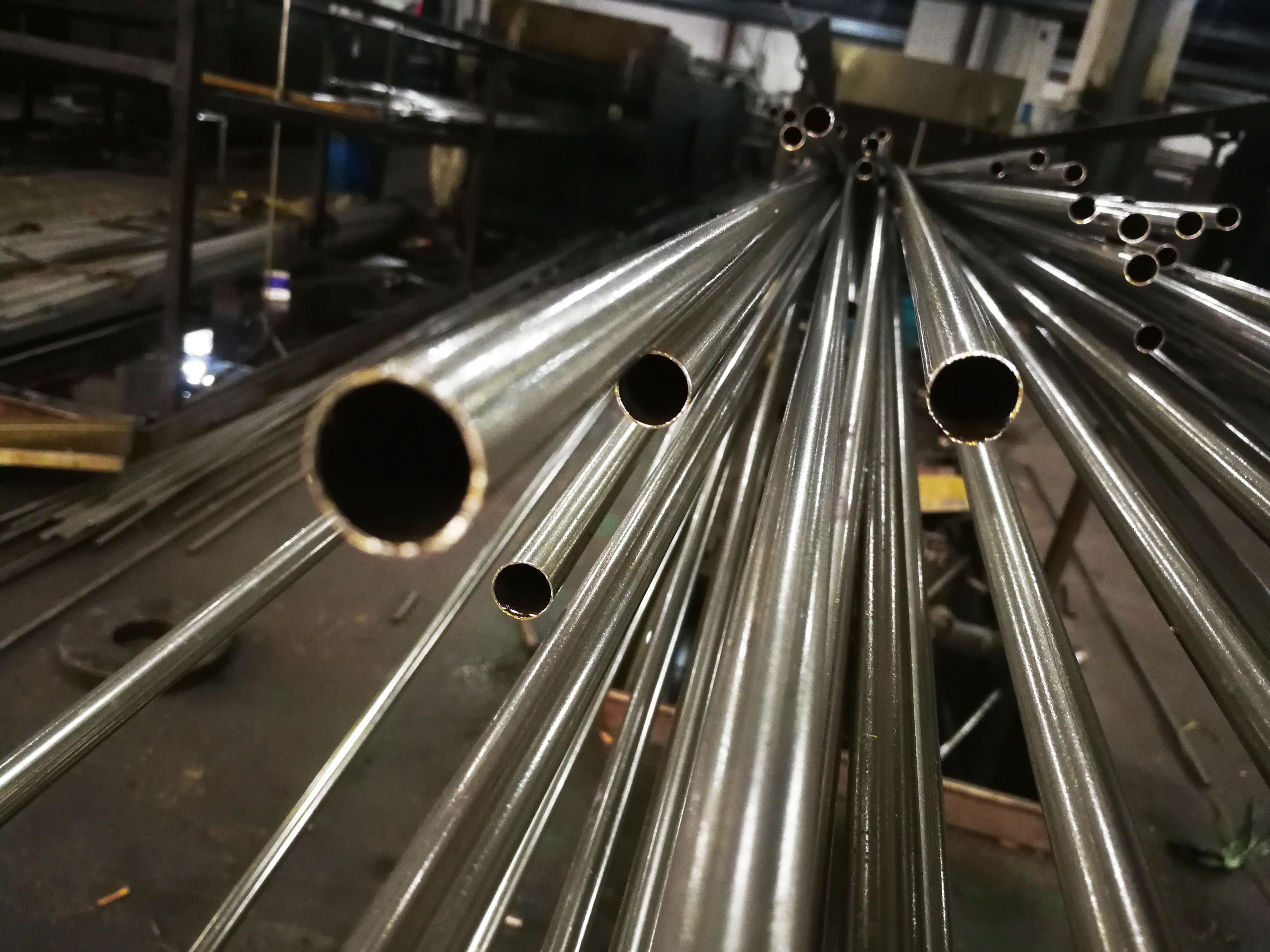 8*0.5精密不锈钢管光亮退火后公差控制在±0.05mm范围(图1)